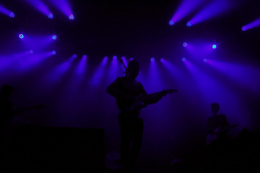 Surfer Blood's purple silhouette.